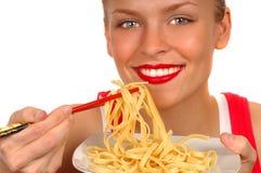 Femme avec les pâtes 2 Photographie stock libre de droits
