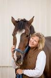Femme avec son cheval Photos libres de droits