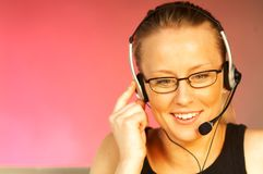 Femme avec un écouteur photos stock