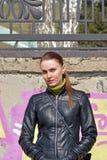 Femme avec un regard lourd de reproches Photos libres de droits
