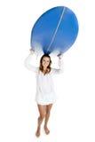 Femme avec une planche de surfing image libre de droits