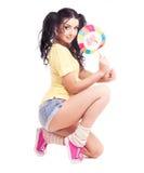 Femme avec une sucrerie Image stock