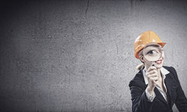 femme blanc d'isolement par ingénieur de bacground Images libres de droits