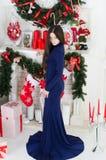 femme bleue de robe Images stock