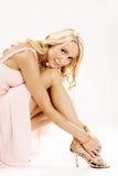 Femme blond magnifique dans de hauts talons Photo libre de droits