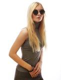 Femme blonde élégante de beauté posant en vêtements à la mode et Bi photo libre de droits