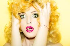 Femme blonde émotive Photo libre de droits