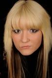 Femme blonde assez jeune photographie stock libre de droits