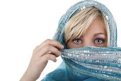 Femme blonde avec le voile Photo libre de droits