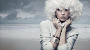 Femme blonde de beauté images libres de droits
