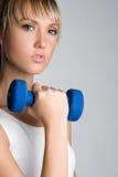 Femme blonde de séance d'entraînement image stock
