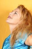Femme blonde de sourire photo libre de droits