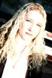Femme blonde exotique images stock