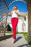 Femme blonde mince Image stock