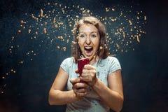 Femme buvant d'un kola photo libre de droits
