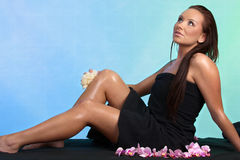 Femme caucasien attirant à la station thermale Photo stock