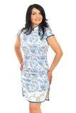 Femme caucasien dans la robe de chinois traditionnel Photos stock