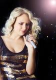 Femme chanteuse Photos libres de droits