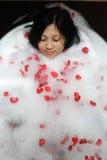 Femme chinois à la station thermale Images libres de droits