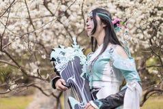 Femme chinoise dans la robe traditionnelle de Hanfu photographie stock libre de droits