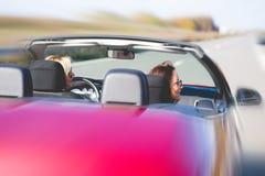 Femme conduisant la voiture photo libre de droits