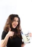 Femme consciente de santé jeune avec du lait Photos libres de droits