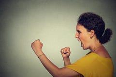 femme criarde fâchée Photos libres de droits