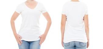 Femme cultivée d'ensemble de portrait dans le T-shirt sur le fond blanc Moquerie pour la conception Copiez l'espace descripteur b photo stock