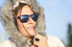Femme d'aîné de verticale de l'hiver Photos stock