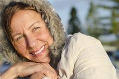 Femme d'aîné de verticale de l'hiver Photographie stock libre de droits