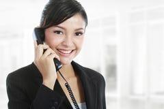 Femme d'affaires à l'appel téléphonique Image libre de droits