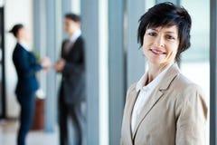 Femme d'affaires âgée moyenne Images stock