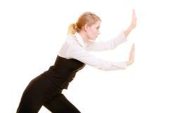 Femme d'affaires éloignant l'espace vide de copie Photographie stock