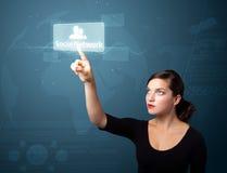 Femme d'affaires appuyant le type social moderne de graphismes Image libre de droits