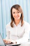 Femme d'affaires au bureau Image stock