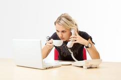 Femme d'affaires au travail Photos libres de droits