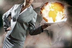 Femme d'affaires avec des documents Photo libre de droits