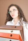 Femme d'affaires avec des fichiers Images stock