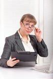 Femme d'affaires avec des verres Images libres de droits