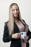 Femme d'affaires avec la cuvette de café Images libres de droits