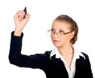 femme d'affaires avec le crayon lecteur sur l'écran. D'isolement Images stock