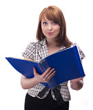 Femme d'affaires avec le dépliant bleu image stock