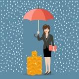 Femme d'affaires avec le parapluie protégeant son argent contre financier Photos libres de droits