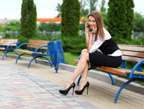 Femme d'affaires avec le portable Photographie stock libre de droits