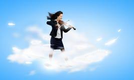 Femme d'affaires avec le violon Image libre de droits