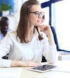 Femme d'affaires avec son personnel Image stock