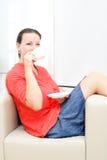 Femme d'affaires ayant une pause-café photo libre de droits
