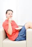 Femme d'affaires ayant une pause-café photographie stock