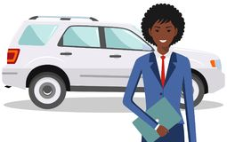 Femme d'affaires d'afro-américain se tenant près de la voiture sur le fond blanc dans le style plat Photos stock
