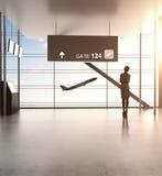 Femme d'affaires dans l'aéroport Images stock